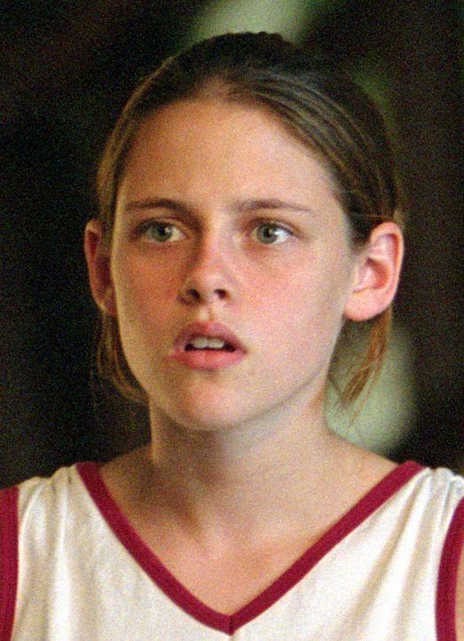 Als ihre Eltern aufs Land ziehen, glaubt Kristen (Kristen Stewart), dass sie von nun an ein ziemlich langweiliges Leben führen wird. Aber es kommt g... - Bildquelle: Buena Vista Pictures Distribution. All Rights Reserved.