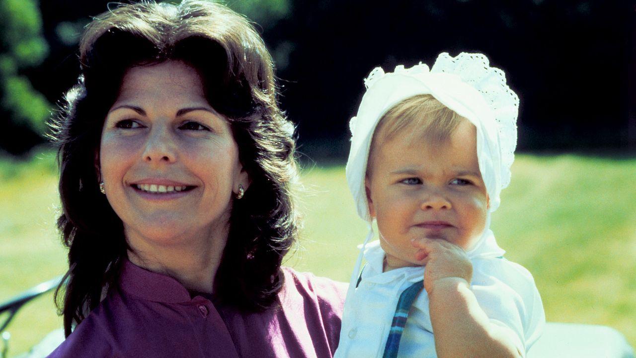 Koenigin-Silvia-von-Schweden-Prinzessin-Madeleine-1983-06-29-AFP - Bildquelle: AFP
