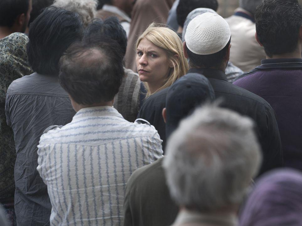 Ihr Besuch in einem Flüchtlingscamp an der syrischen Grenze, wird zu einer sehr gefährlichen Mission für Carrie (Claire Danes, M.) ... - Bildquelle: Stephan Rabold 2015 Showtime Networks, Inc., a CBS Company. All rights reserved.