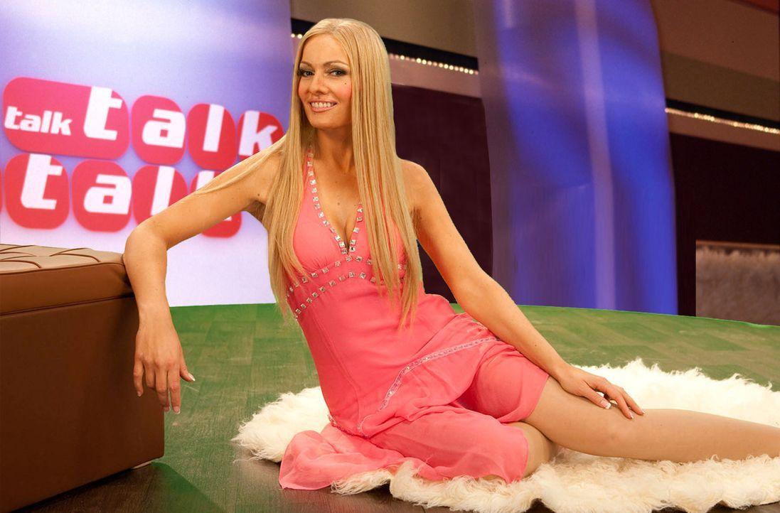 """(4. Staffel) Bei """"Switch Reloaded"""" bleibt niemand verschont, auch die ProSieben-Kollegen nicht: Martina Hill (Bild) spielt Sonya Kraus in TalkTalkTa... - Bildquelle: Kai Schulz ProSieben"""