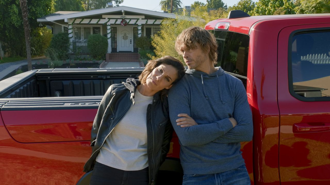Special Agent Kensi Blye (Daniela Ruah, l.); Marty Deeks (Eric Christian Olsen, r.) - Bildquelle: 2020 CBS Broadcasting, Inc. All Rights Reserved.
