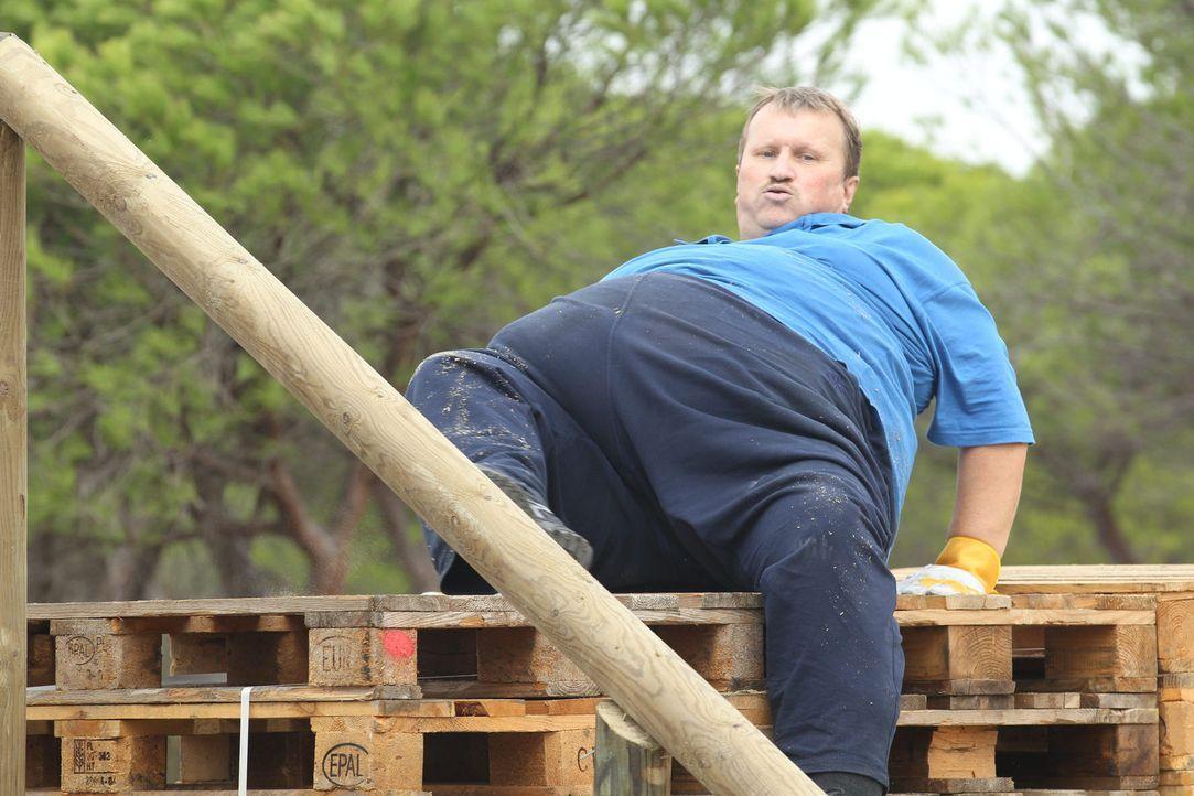Hat einen schweren Stand gegen die harte Konkurrenz: Norbert ... - Bildquelle: Enrique Cano SAT.1