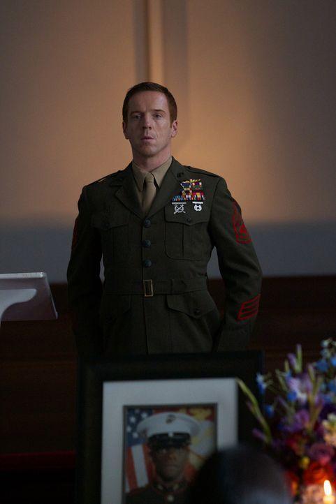 Die Gedenkfeier von Tom Walker lässt ihn seine Fassung verlieren: Sergeant Nicholas Brody (Damian Lewis) ... - Bildquelle: 20th Century Fox International Television
