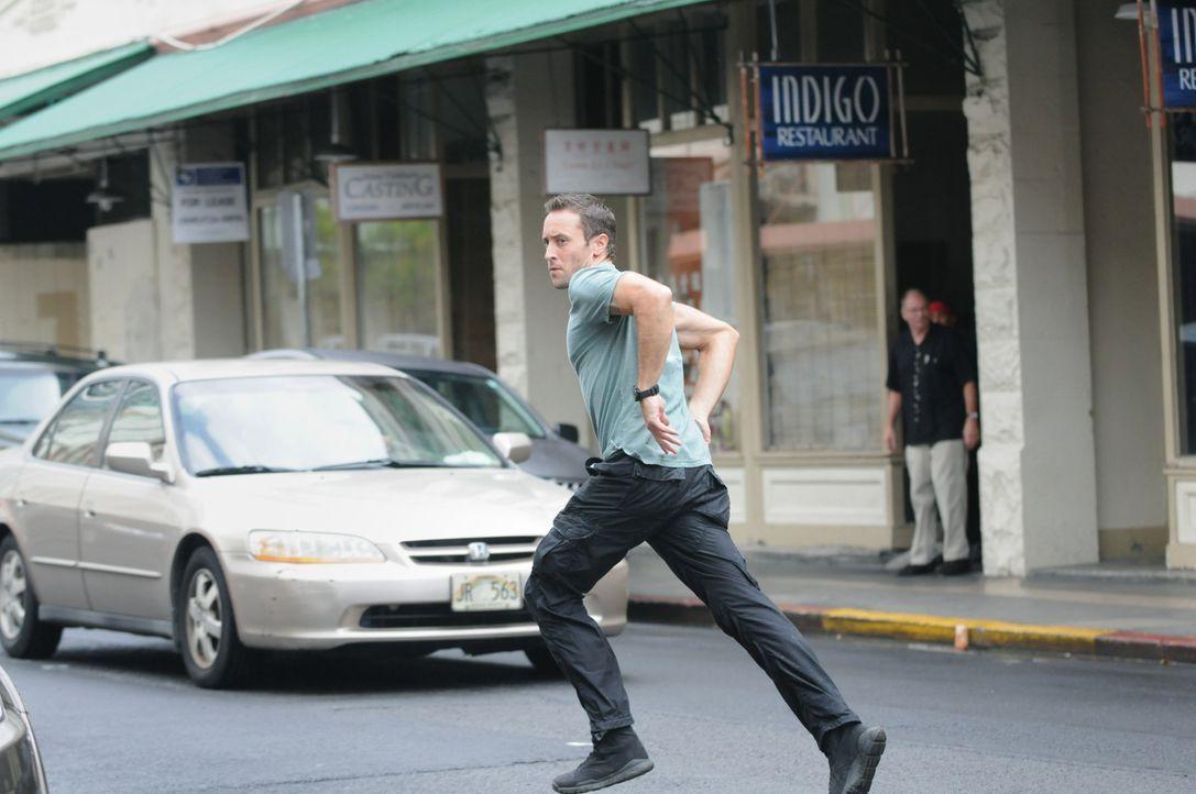 Als ein Lieferwagen überfallen und der Fahrer dabei erschossen wird, werden Steve (Alex O'Loughlin) und Danny hinzugezogen, um den Fall zu lösen ... - Bildquelle: TM &   CBS Studios Inc. All Rights Reserved.