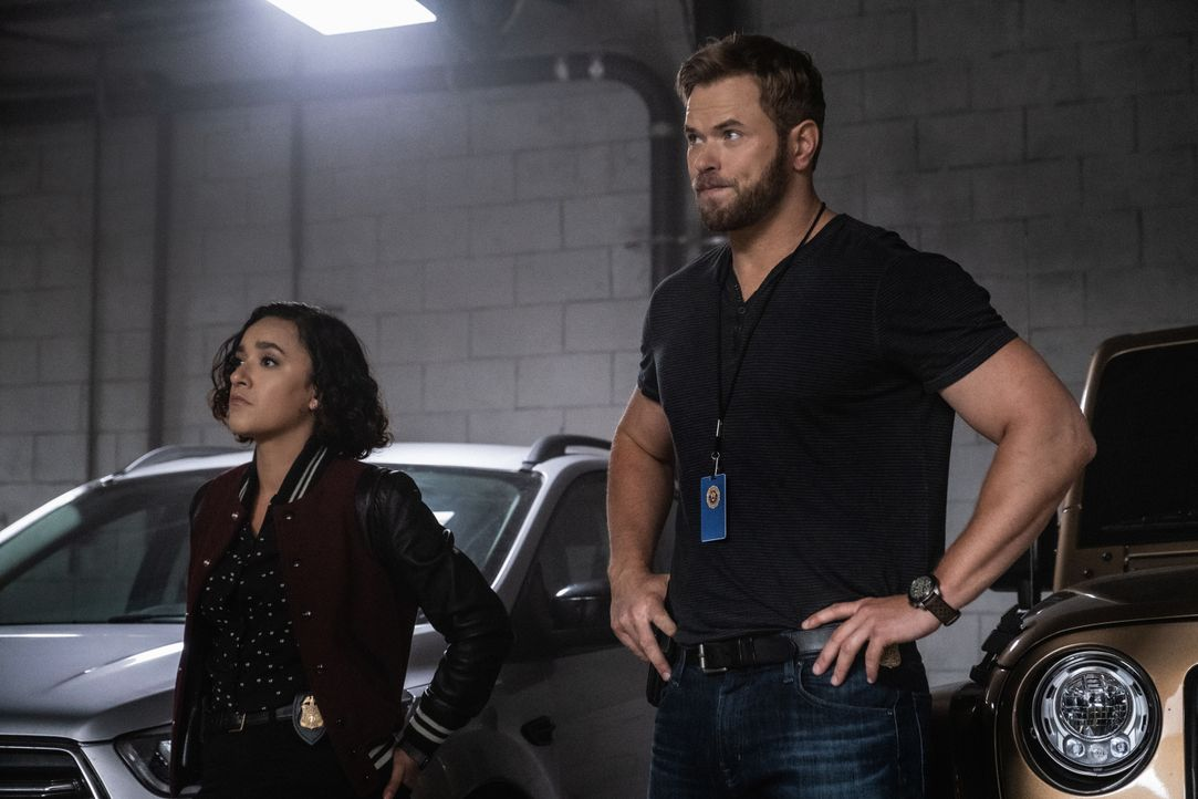 Hana Gibson (Keisha Castle-Hughes, l.); Kenny Crosby (Kellan Lutz r.) - Bildquelle: Jeff Neumann 2019 CBS Broadcasting, Inc. All Rights Reserved / Jeff Neumann