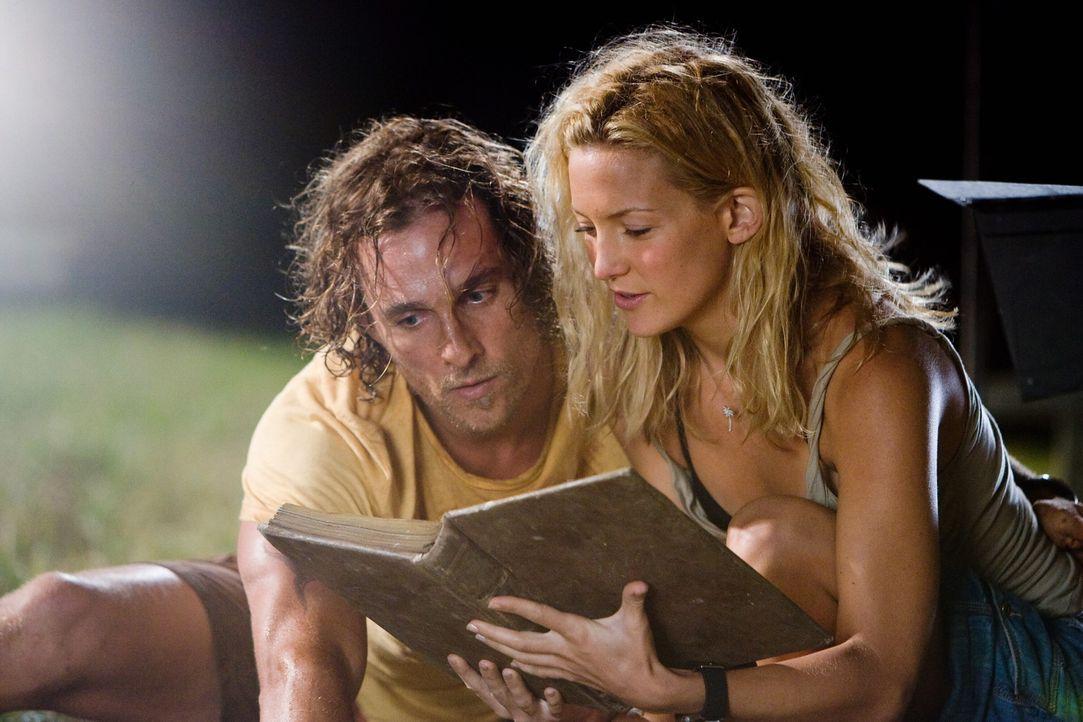 Die Suche nach dem Schatz lässt Benjamin (Matthew McConaughey, l.) und Tess (Kate Hudson, r.) ihre privaten Probleme vergessen ... - Bildquelle: Warner Brothers