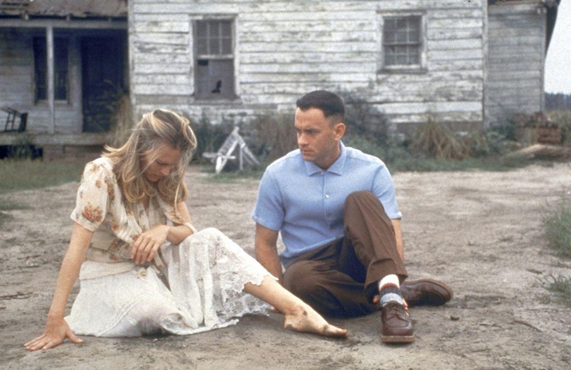Die innige Freundschaft zwischen Jenny (Robin Wright, l.) und Forrest (Tom Hanks, r.) ist etwas ganz besonderes ... - Bildquelle: Paramount Pictures