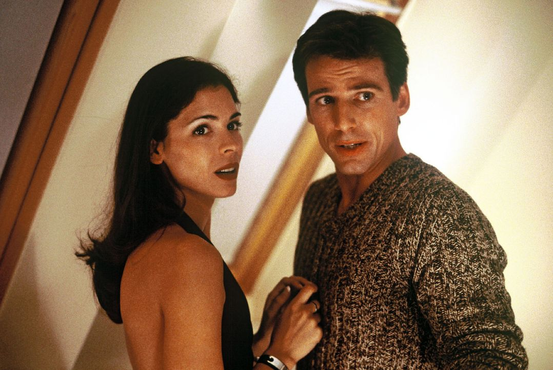 Nina Jansen (Katja Woywood, l.) und Ben Ivaldi (René Steinke, r.). - Bildquelle: Sat.1