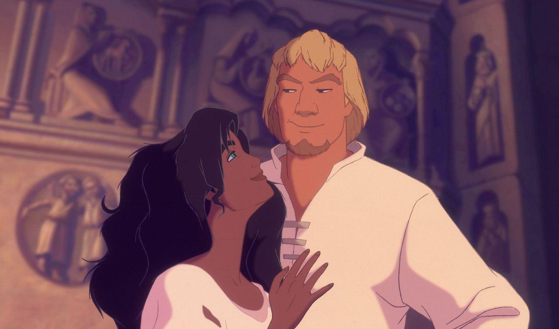 Zunächst ist der Glöckner von Notre Dame, Quasimodo, untröstlich, dass Esmeralda ihr Herz an den gutaussehenden Phoebus verloren hat. Doch schon bal... - Bildquelle: The Walt Disney Company