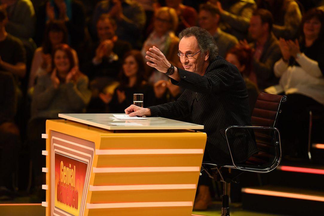 Stellt Fragen der Zuschauer, die die Rate-Profis und die Top-Comedians Deutschlands im Studio beantworten müssen: Hugo Egon Balder ... - Bildquelle: Willi Weber SAT.1