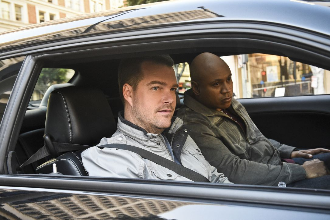 Ein neuer Fall wartet auf Callen (Chris O'Donnell, l.) und Sam (LL Cool J, r.) ... - Bildquelle: 2016 CBS Broadcasting, Inc. All Rights Reserved.