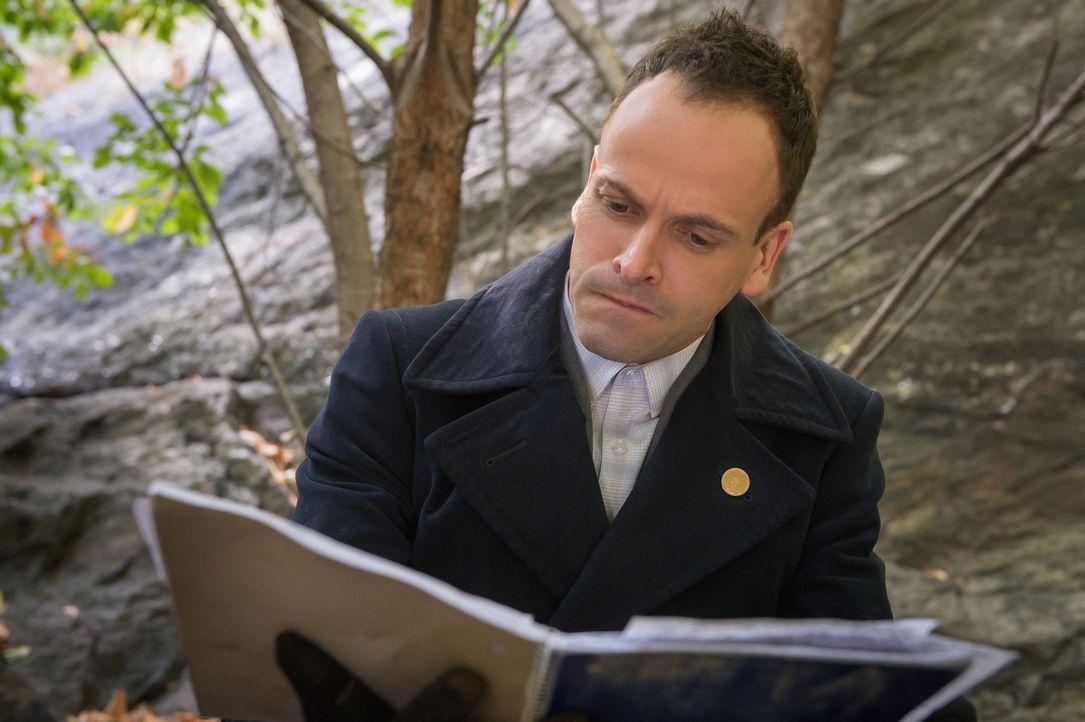 Sherlock (Jonny Lee Miller) hat sich fest vorgenommen, nüchtern zu bleiben ... - Bildquelle: CBS Television