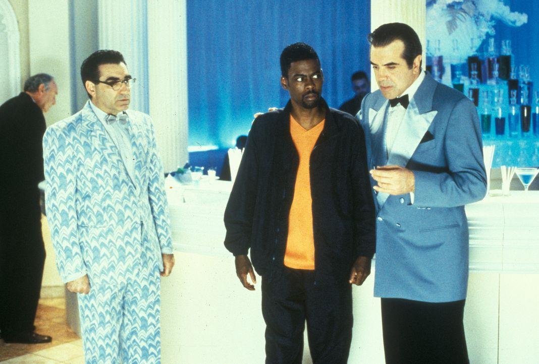 Weil sich Lances (Chris Rock, M.) Todesengel King (Chazz Palminteri, r.) und Keyes (Eugene Levy, l.) um 48 Jahre vertan haben, landet er im Himmel ... - Bildquelle: Paramount Pictures