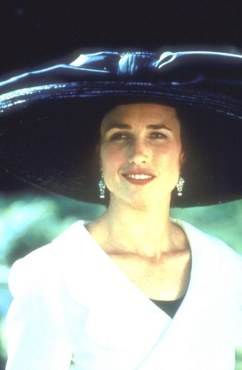 Vier Hochzeiten und einen Todesfall lang gelingt es Carrie (Andie MacDowell), ihre Liebe zu Charles zu verleugnen ... - Bildquelle: Gramercy Pictures