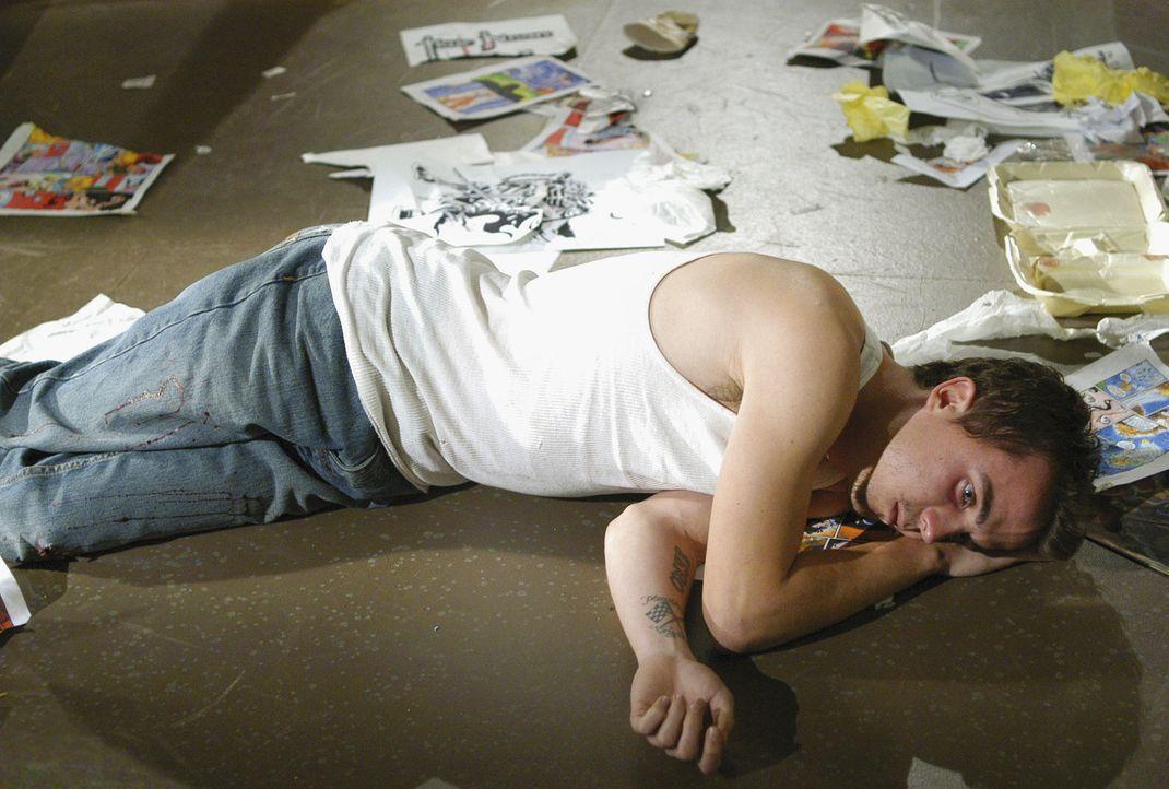 Die Wahrheit der Nacht: Der Comicbuchautors Jonny McHale (Frankie Muniz) wird nachts zu einem brutalen Mörder ... - Bildquelle: Touchstone Television