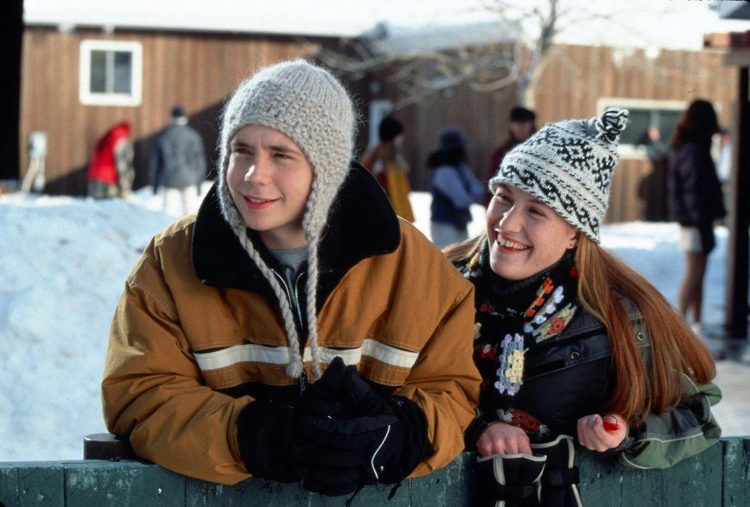 Der 15-jährige Hal (Mark Webber, l.) ist unsterblich verliebt und will den freien Tag für eine Herzensangelegenheit nutzen ... - Bildquelle: TM, ® &   2017 by Paramount Pictures. All Rights Reserved.