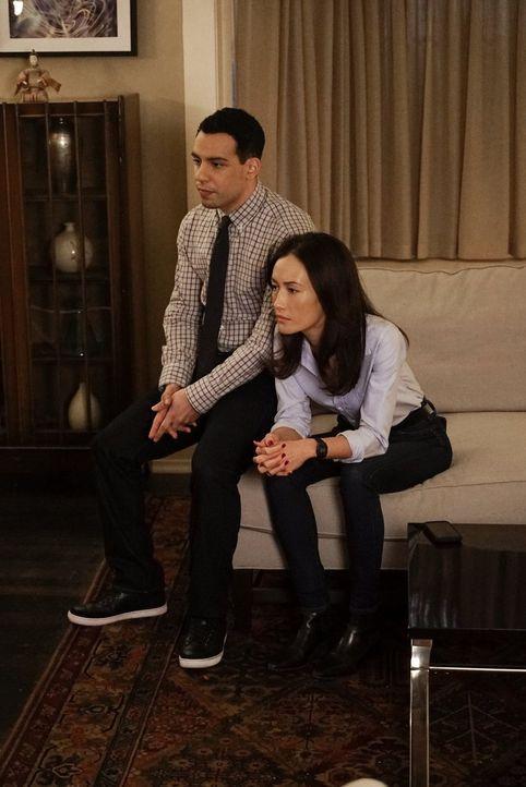 Kümmert sich um Beth (Maggie Q, r.), während die andern versuchen, Ray zu stoppen: Ben (Victor Rasuk, l.) ... - Bildquelle: Warner Bros. Entertainment, Inc.