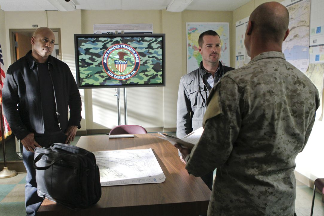 Callen (Chris O'Donnell, M.) und Sam (LL Cool J, l.) versuchen eine neuen Fall zu lösen ... - Bildquelle: CBS Studios Inc. All Rights Reserved.