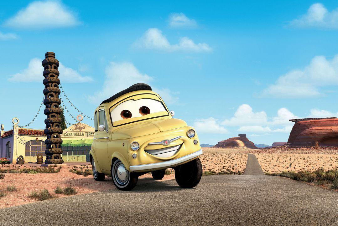 Der aufgedrehte Luigi, ein Fiat 500, Baujahr 1959, hat mit wenig Erfolg, aber viel Liebe und mit der Hilfe seines kleinen Gabelstaplerfreundes Guido... - Bildquelle: Walt Disney Pictures