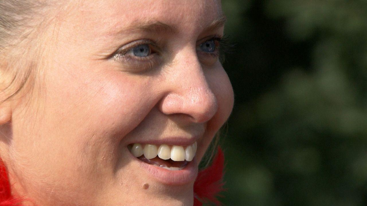 Die 33-Jährige Konditorin Katie liebt ihr Leben. Ihr wohlhabender Verlobter Benno Staamann, Alleinerbe einer Confiserie-Kette, trägt sie auf Händ... - Bildquelle: SAT.1