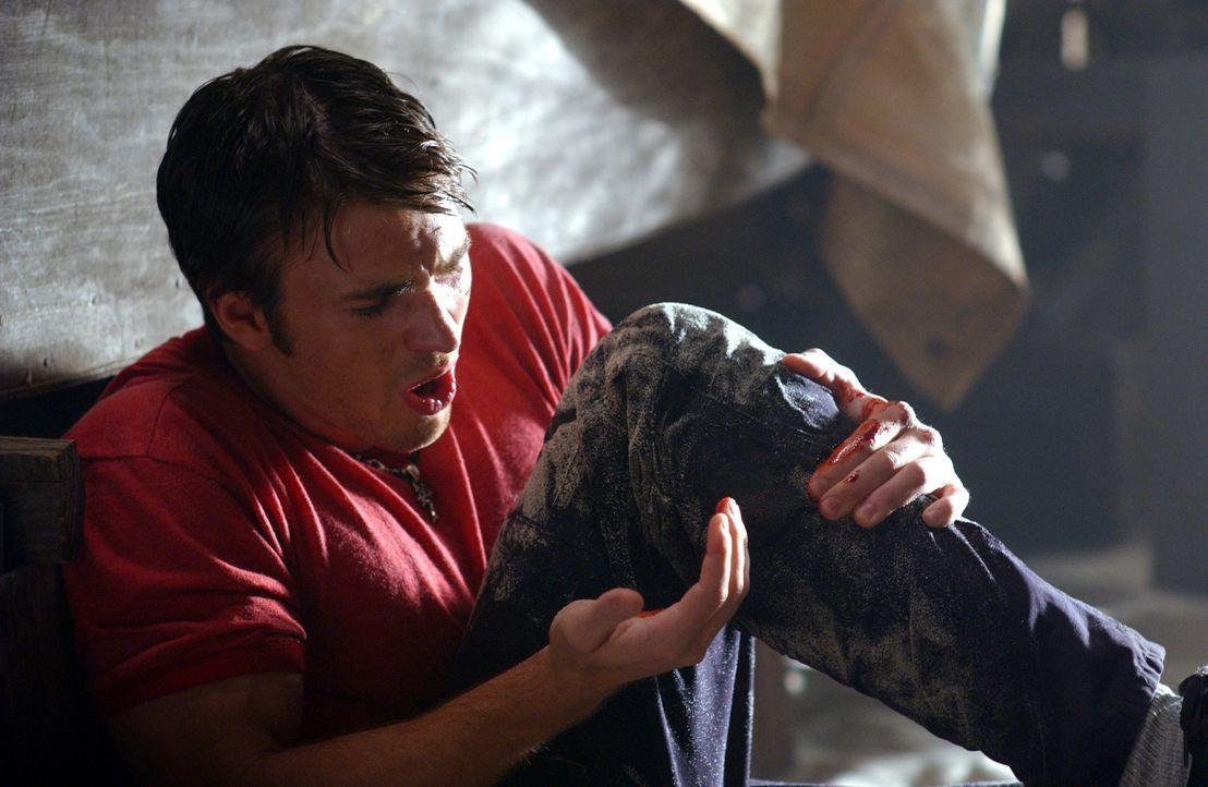 Um Jessica und ihre Familie zu retten, wagt sich Ryan (Chris Evans) in ein Wespennest aus Betrug und Mord - und muss schon bald um sein eigenes Lebe... - Bildquelle: Warner Bros. Pictures