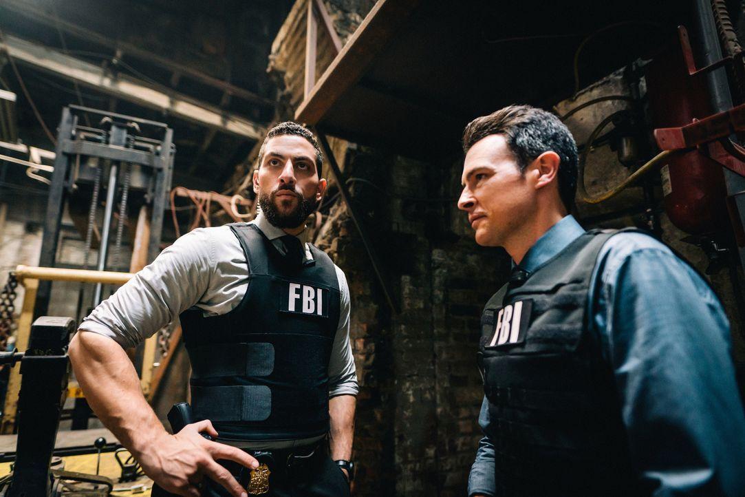 Special Agent Omar Adom 'OA' Zidan (Zeeko Zaki, l.); Special Agent Stuart Scola (John Boyd, r.) - Bildquelle: Michael Parmelee 2019 CBS Broadcasting, Inc. All Rights Reserved. / Michael Parmelee