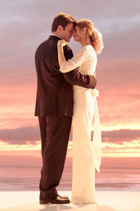 Treten endlich vor den Traualtar: Castle (Nathan Fillion, l.) und Beckett (Stana Katic, r.) ... - Bildquelle: ABC Studios