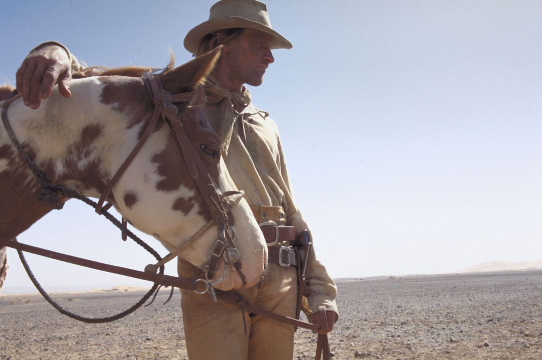 3000 Meilen durch den Glutofen der arabischen Wüste: Hopkins (Viggo Mortensen) ... - Bildquelle: Walt Disney Pictures. All rights reserved