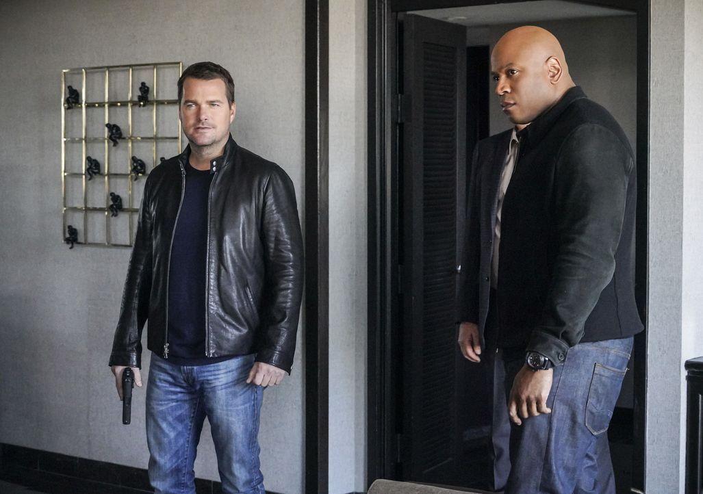 Callen (Chris O'Donnell, l.) und Sam (LL Cool J, r.) gehen für ihre Mission eine überraschende Verbindung ein ... - Bildquelle: Bill Inoshita 2018 CBS Broadcasting Inc. All Rights Reserved/Bill Inoshita