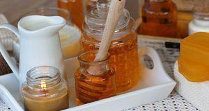 Honig schmeckt nicht nur lecker, es ist auch die perfekte Hautpflege, denn da...