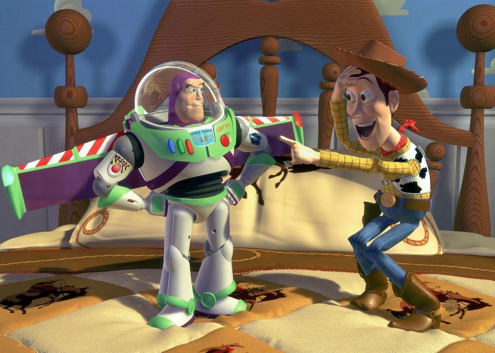 Zum Geburtstag bekommt der kleine Andy eine der supercoolen SpaceRanger-Actionfiguren geschenkt, die nur so vor Selbstbewusstsein und tollen technis... - Bildquelle: Disney/PIXAR