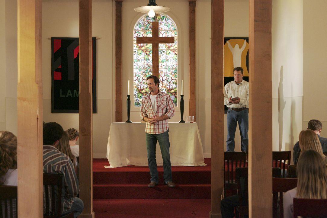 In La Plata Colorado existiert eine Sekte streng religös gewordener Libertarianer, in der Familien mit Kindern unter Anführung von Benjamin Cyrus... - Bildquelle: Touchstone Television
