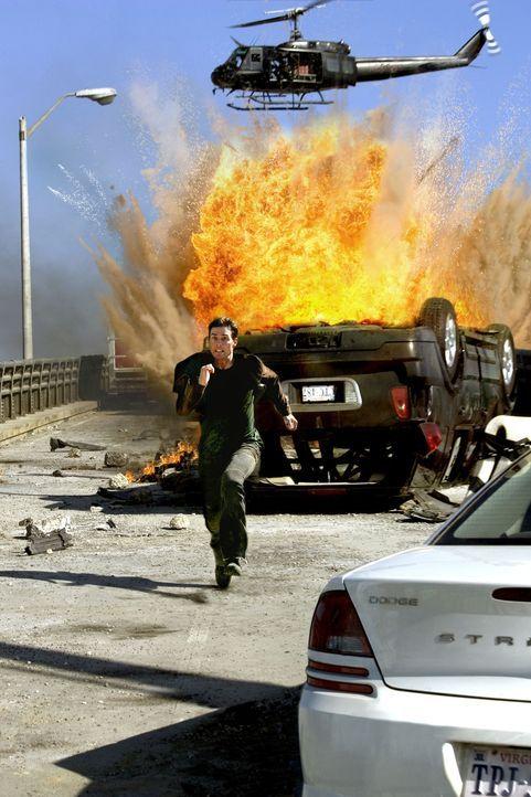 Im Visier eines eiskalten Waffenhändlers: Ethan Hunt (Tom Cruise) ... - Bildquelle: 2005 by PARAMOUNT PICTURES. All Rights Reserved.