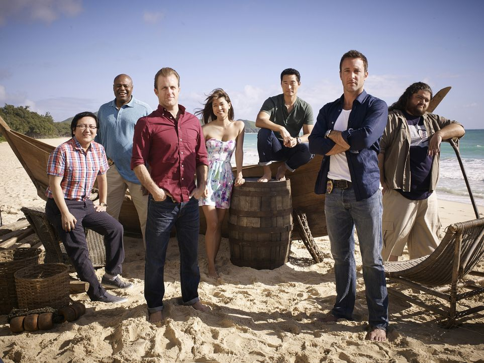 (5. Staffel) - Im Kampf gegen das Böse auf Hawaii: Steve (Alex O'Loughlin, 2.v.r.), Danny (Scott Caan, 3.v.l.), Chin (Daniel Dae Kim, 3.v.r.), Kono... - Bildquelle: Art Schreiber 2014 CBS Broadcasting Inc. All Rights Reserved.