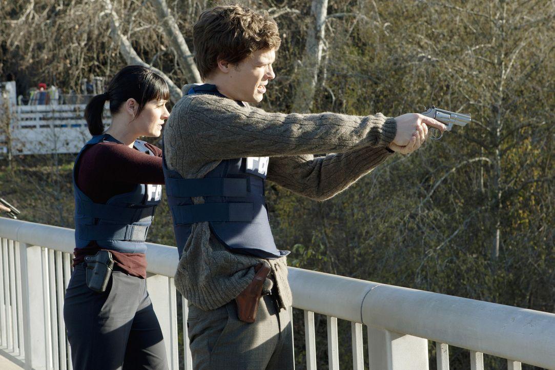 Werden mit einem neuen Fall beauftragt: Reid (Matthew Gray Gubler, r.) und Prentiss (Paget Brewster, l.) ... - Bildquelle: ABC Studios