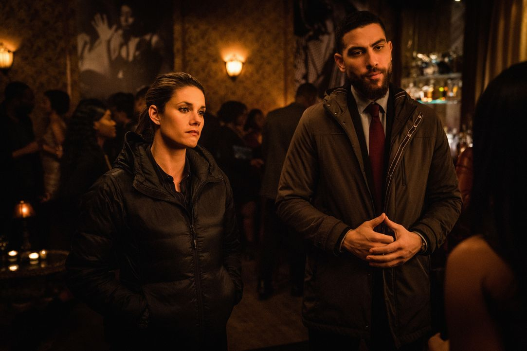 Maggie Bell (Missy Peregrym, l.); Omar Adom OA Zidan (Zeeko Zaki, r.) - Bildquelle: Mark Schafer 2019 CBS Broadcasting, Inc. All Rights Reserved / Mark Schafer