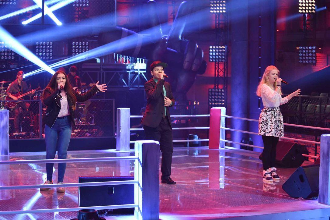 The-Voice-Kids-Stf04-Epi06-Battles-Samira-Noel-Jette-SAT1-André-Kowalski - Bildquelle: SAT.1/André Kowalski