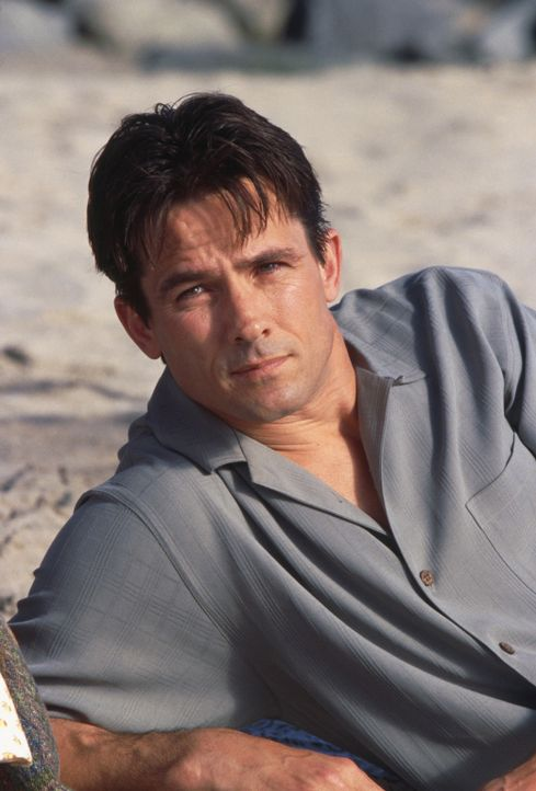 Vom lieben Ehemann zum brutalen Schläger: Mitch (Bill Campbell) ... - Bildquelle: 2003 Sony Pictures Television International