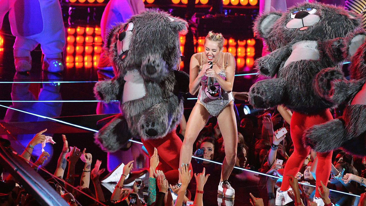 MTV-Music-Video-Awards-Miley-Cyrus-130825-getty-AFP - Bildquelle: getty-AFP