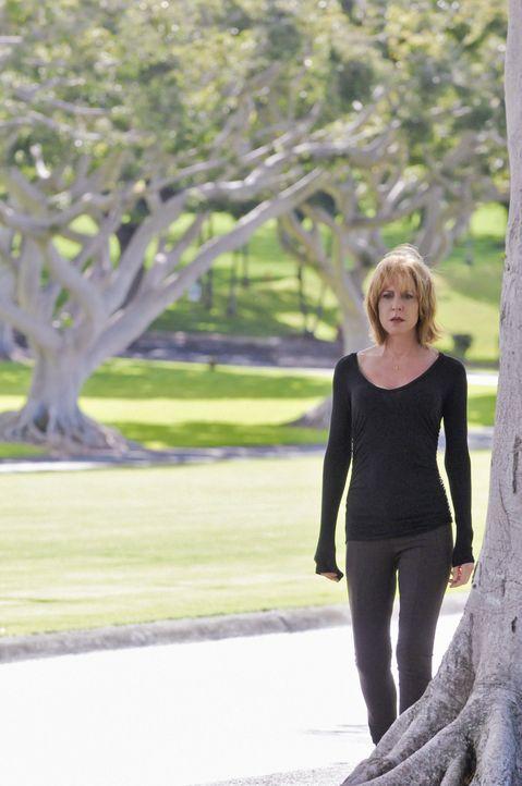 Hofft, dass ihre Tochter ihr eine zweite Chance gibt: Doris McGarrett (Christine Lahti) ... - Bildquelle: 2012 CBS Broadcasting, Inc. All Rights Reserved.