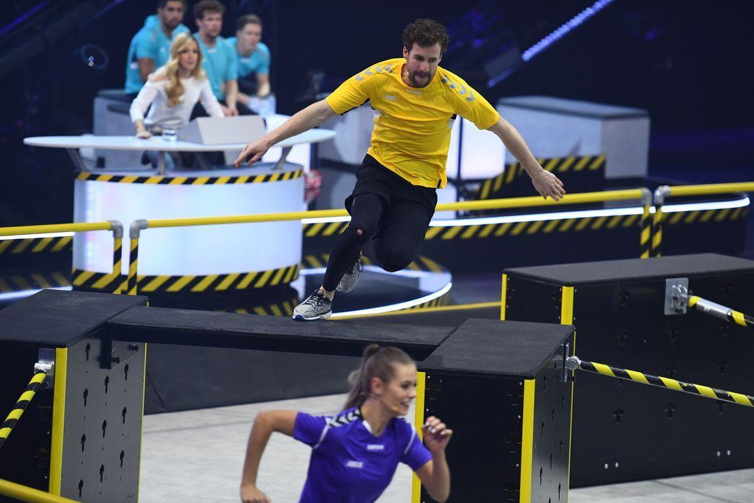 Luke Mockridge (oben); Jacqueline Schulz (unten) - Bildquelle: Willi Weber SAT.1 / Willi Weber