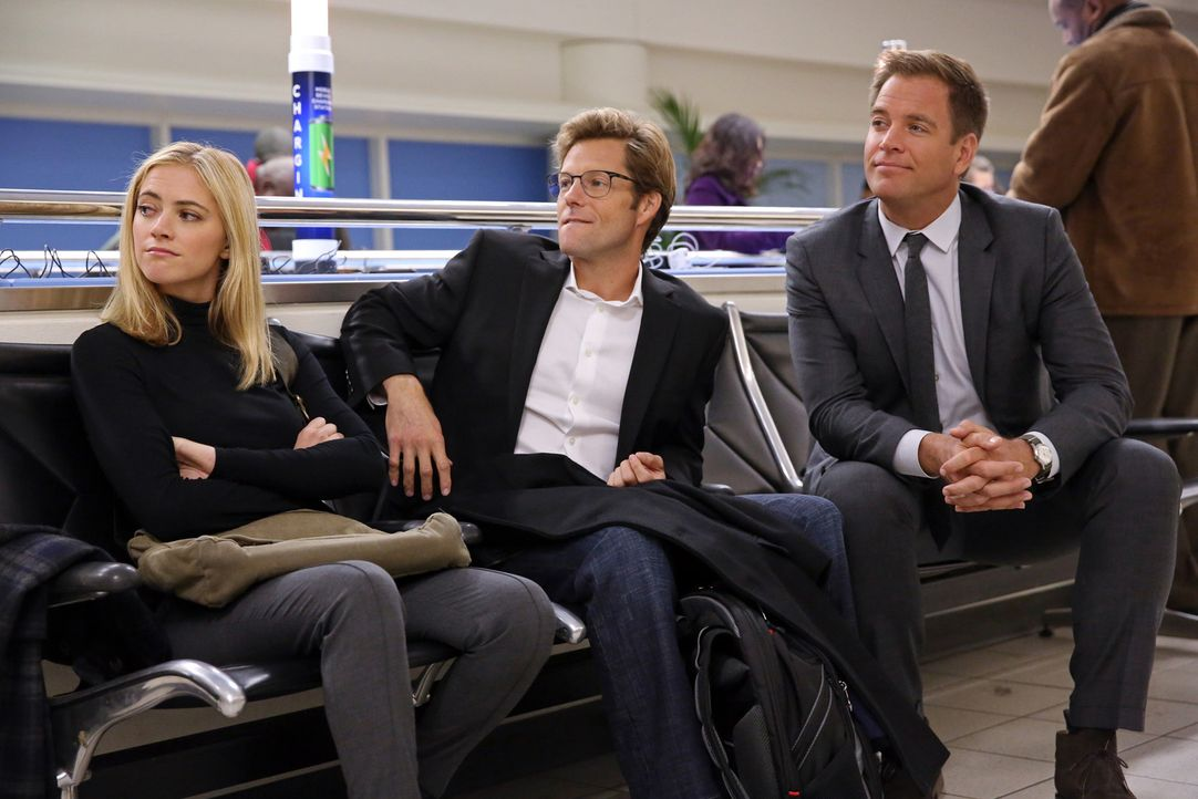 Arbeiten an einem neuen Fall, während sie am Dulles Airport in Washington, DC wegen Unwettern festsitzen: DiNozzo (Michael Weatherly, r.), Bishop (E... - Bildquelle: 2014 CBS Broadcasting, Inc. All Rights Reserved
