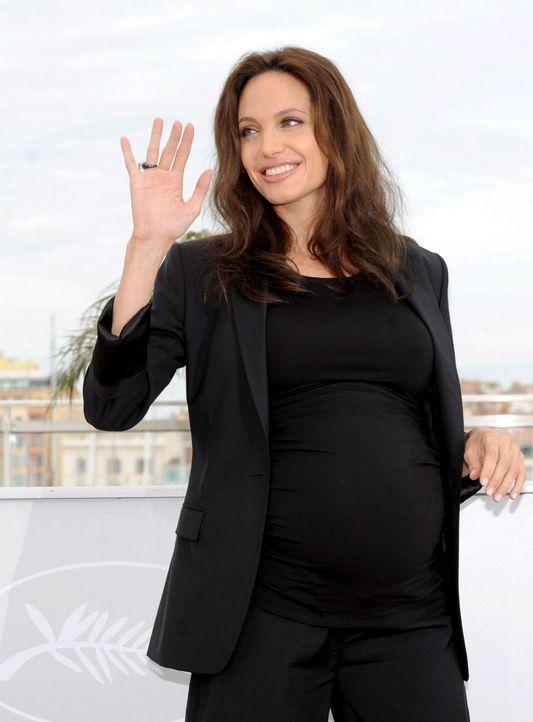 Die schwangere Angelina Jolie - Bildquelle: +++(c) dpa - Bildfunk+++ Verwendung nur in Deutschland