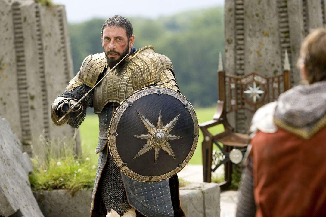 Ein Tyrann, der hemmungslos alles vernichtet, was sich ihm in den Weg stellt: König Miraz (Sergio Castellitto) ... - Bildquelle: Disney - ABC - ESPN Television