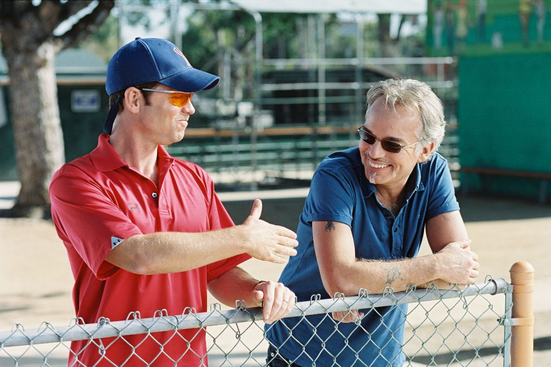 "Wer wird die diesjährige Jugend-Baseball-Meisterschaft für sich entscheiden? Die ""Yankees"" mit ihrem überheblichen Trainer Roy Bullock (Greg Kinnear... - Bildquelle: TM & © Paramount Pictures. All Rights Reserved."