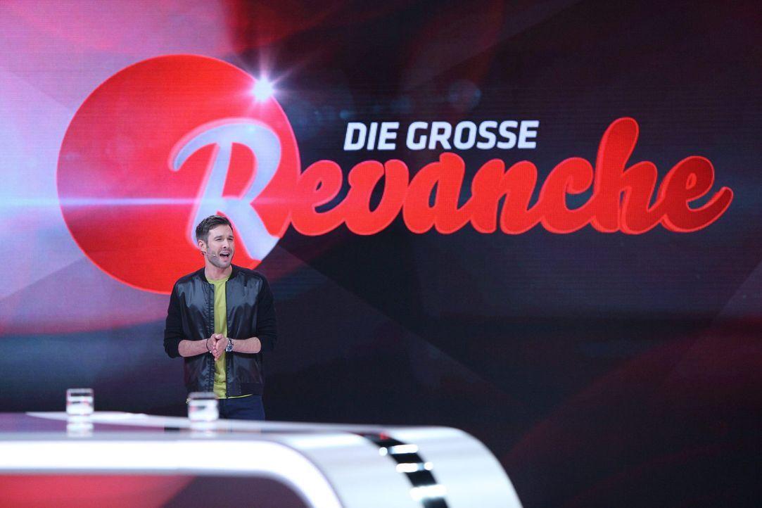 """In """"Die große Revanche"""" lockt Jochen Schropp Stars und ahnungslose Passanten in die Falle ... - Bildquelle: Frank Hempel Sat.1"""