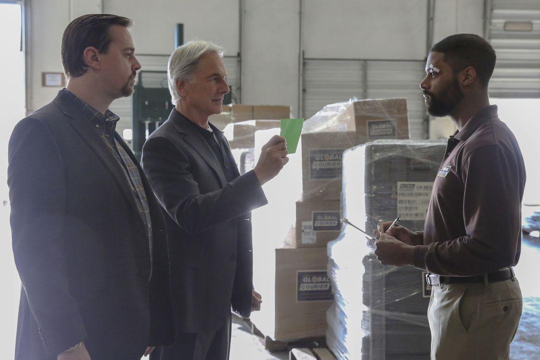 (v.l.n.r.) McGee (Sean Murray); Gibbs (Mark Harmon); Scott Gunderson (DeVaughn Nixon) - Bildquelle: Michael Yarish 2018 CBS Broadcasting, Inc. All Rights Reserved/Michael Yarish