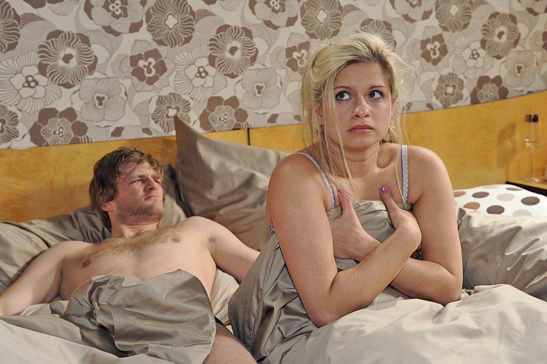 Anna-und-die-Liebe-Folge-421-04-Sat1-Claudius-Pflug - Bildquelle: SAT.1/Claudius Pflug