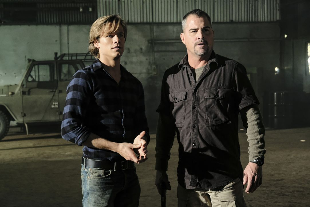 MacGyver (Lucas Till, l.); Jack Dalton (George Eads, r.) - Bildquelle: Guy D'Alema 2018 CBS Broadcasting, Inc. All Rights Reserved