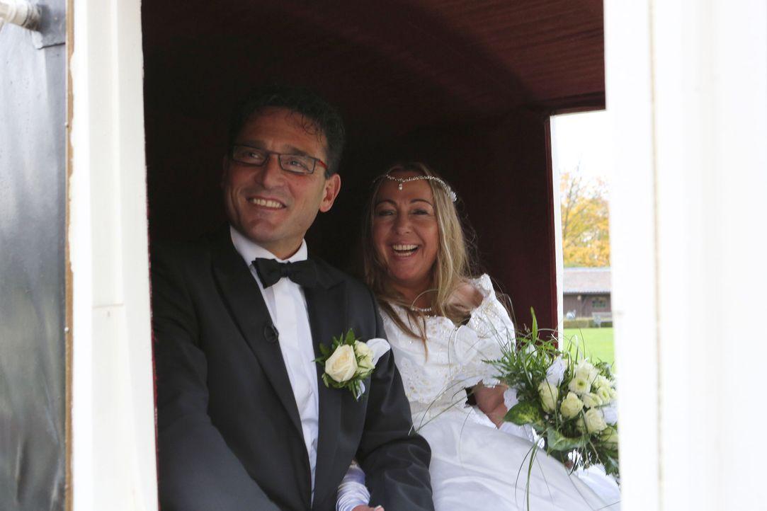 Das Brautpaar Kröger möchte den schönsten Tag in ihrem Leben noch einmal erleben ... - Bildquelle: SAT.1